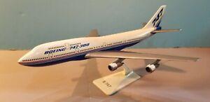 IMC-MODELS-BOEING-HOUSE-COLORS-747-300-1-250-SCALE-PLASTIC-SNAPFIT-MODEL