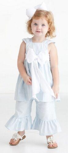 Peaches /'n Cream Dainty Darling Linen Blend Top w// Bow and Capri Pants Set