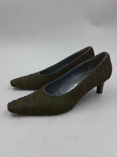 SALVATORE FERRAGAMO Retro 70s Ladies Pumps Heels G