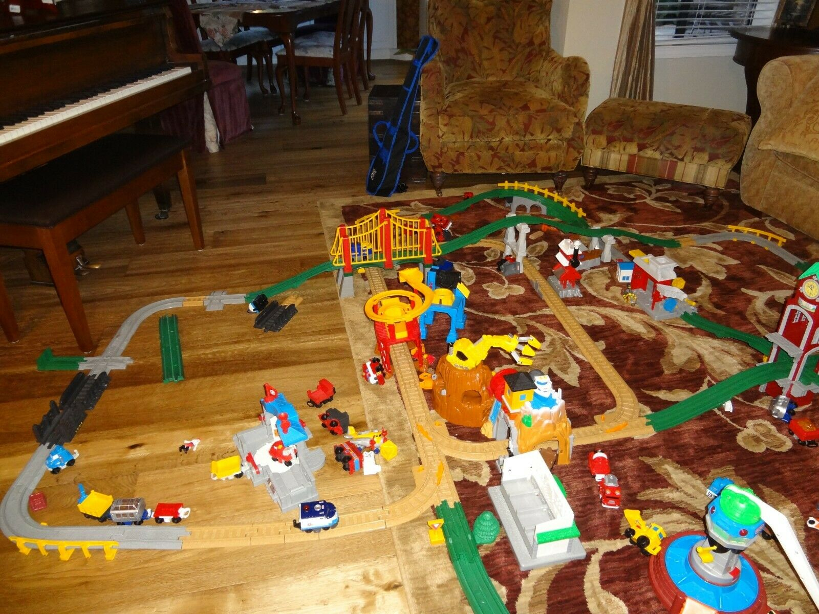 Large Lot of of of Fisher Price Geo Trax Trains 752ee3