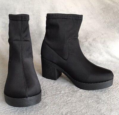 Nuevos calcetines. precioso Black Stretch Tirar Botas al tobillo. Talla 5 (38)
