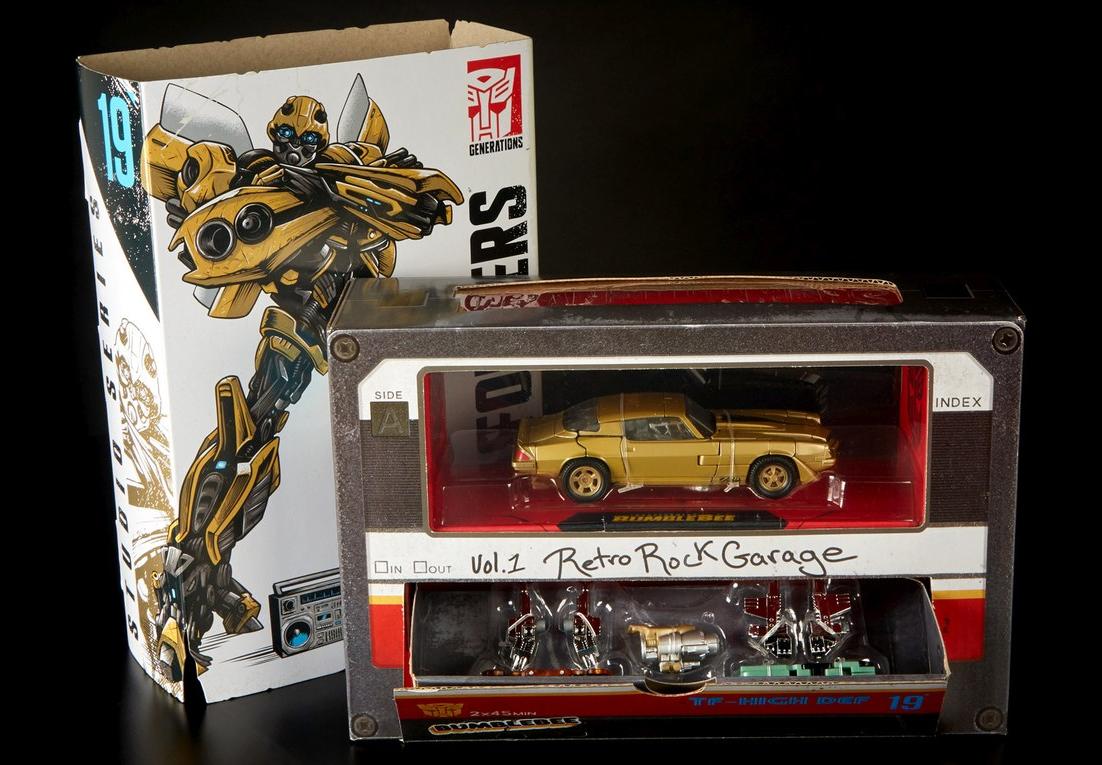 Transformers Studio serie SDCC Exclusive Bumblebee & Retro Garage Rock Box Set