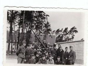 Foto-2-WK-Flak-Geschuetz-Luftwaffe-Kaserne-Dessau-ca-1940-Wehrmacht-WW2-C41