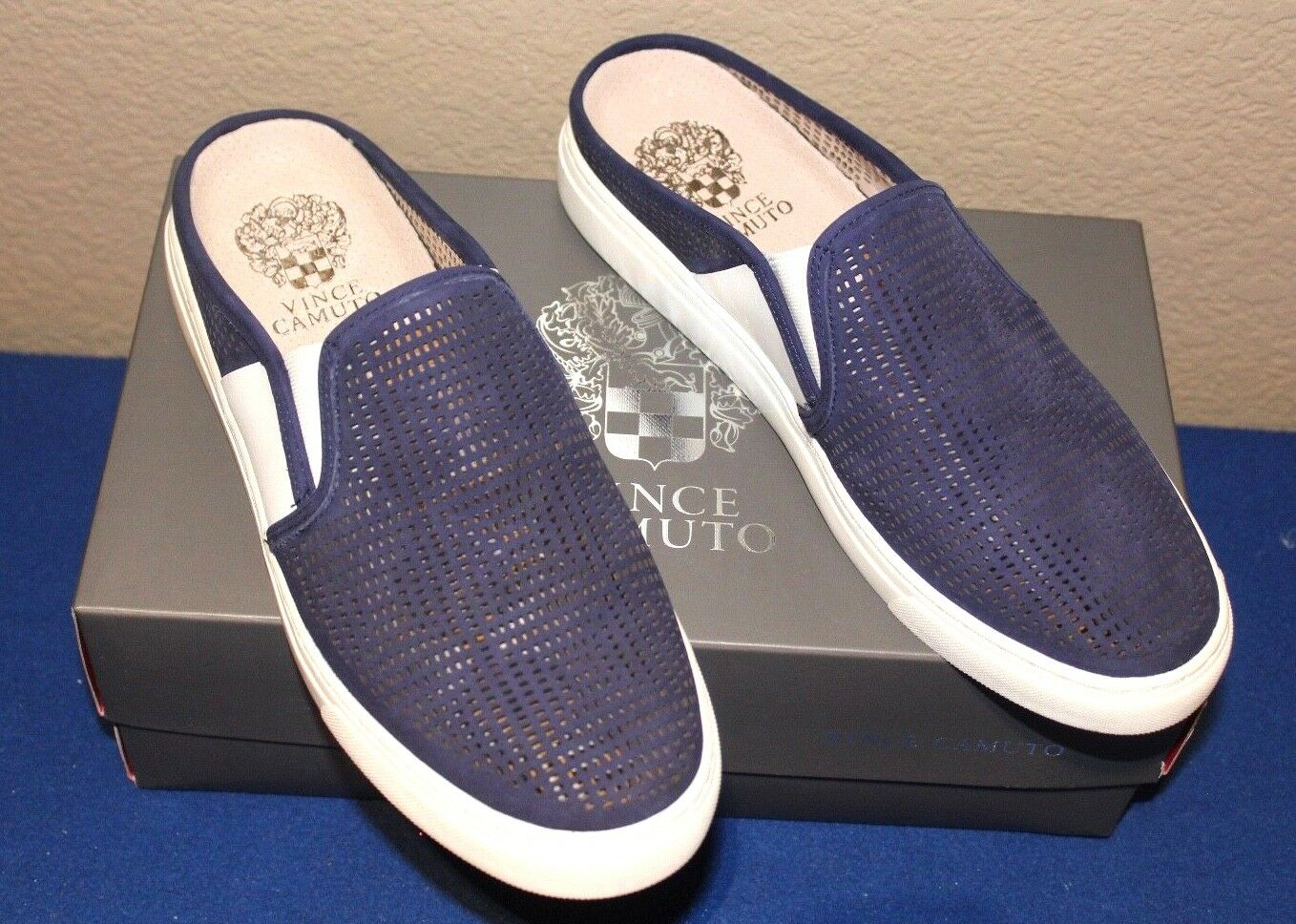 Vince Camuto Bretta Leder Perforated 7.5M Mule Sneaker Blau NOTE 7.5M Perforated NEW IN BOX 715b11