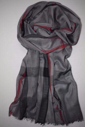 Grand plus facilement écharpe en gris foncé avec étroit rouge rayures noires