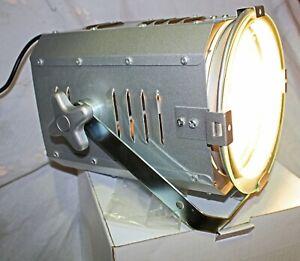 Halogen-Lamp-Studio-Style-Metal-70watt