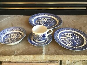 5-Pieces-of-Churchill-china-made-in-England