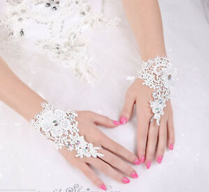 47ba180da51 Das Bild wird geladen NEU-Edle-Handschuhe-Braut -Fingerlose-Brauthandschuhe-Hochzeit-Spitzen