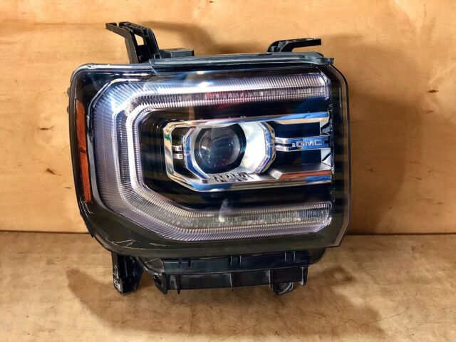 2018 GMC Sierra Denali 1500 Right Side HID Headlight