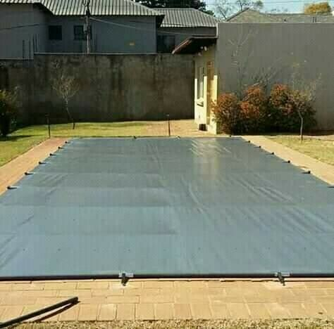 SWIMMING POOL COVERS OF QUALITY