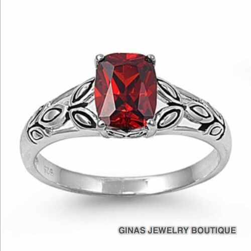 PRETTY RING With Detail  GARNET  JANUARY BIRTHSTONE  5,6,7,8,9,10.925 STAMPED