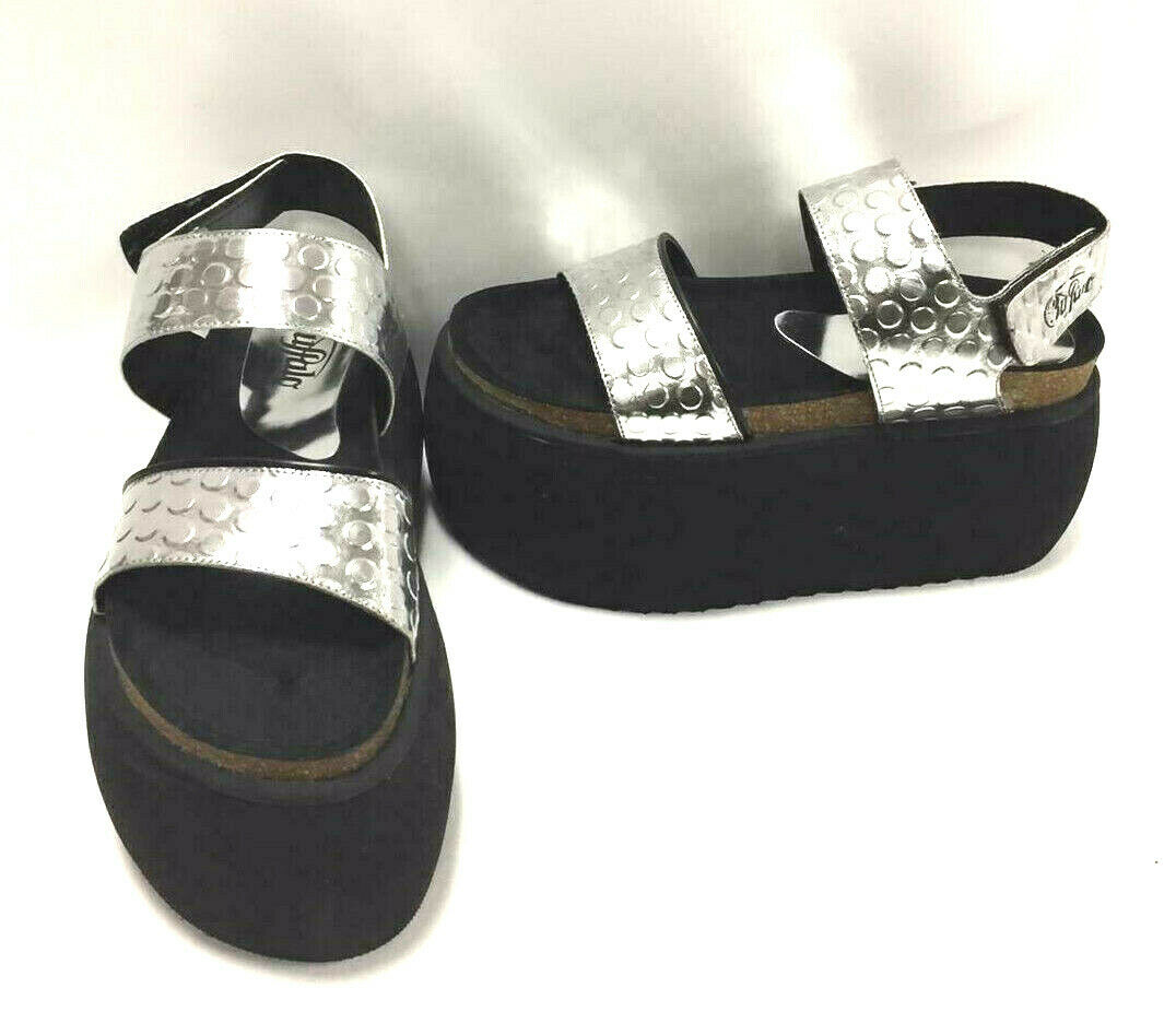 Buffalo Classics Black with Silver Metallic Straps Sandals 10046-8B-01, US 9