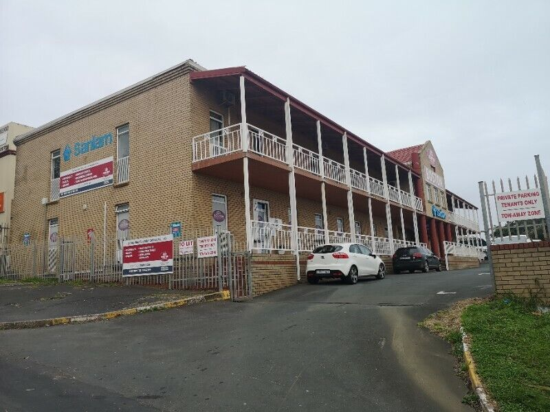 TO LET - 160m² Office Space + 2 Parking Bays - Port Shepstone CBD