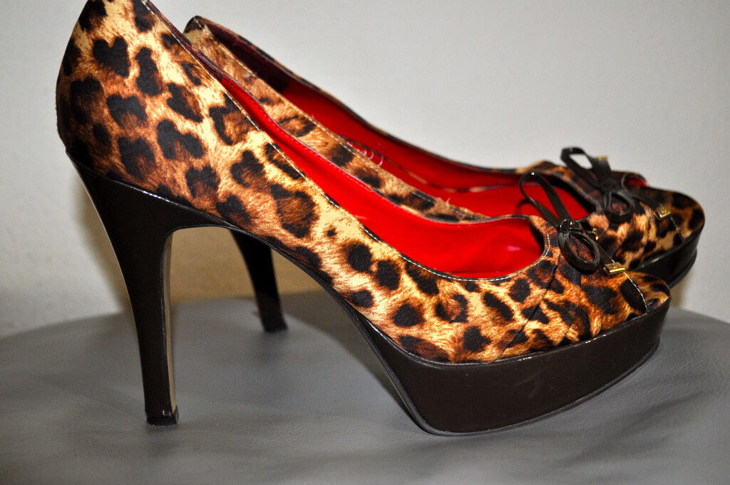 SEXY GUESS  JULES 2  CHOCOLATE BROWN LEOPARD PEEP TOE PLATFORMS HEELS SIZE 8M
