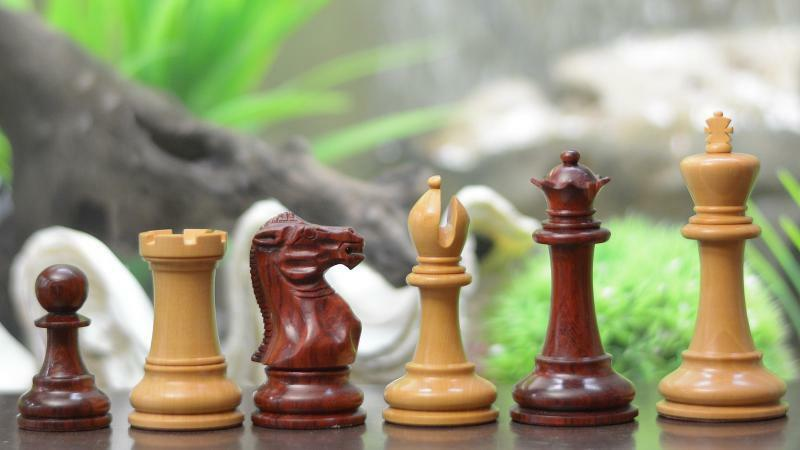 The Staunton Staunton Staunton Series Mid Range Chess Pieces in Bud pink & Box Wood SKU-VJ010. 69482e