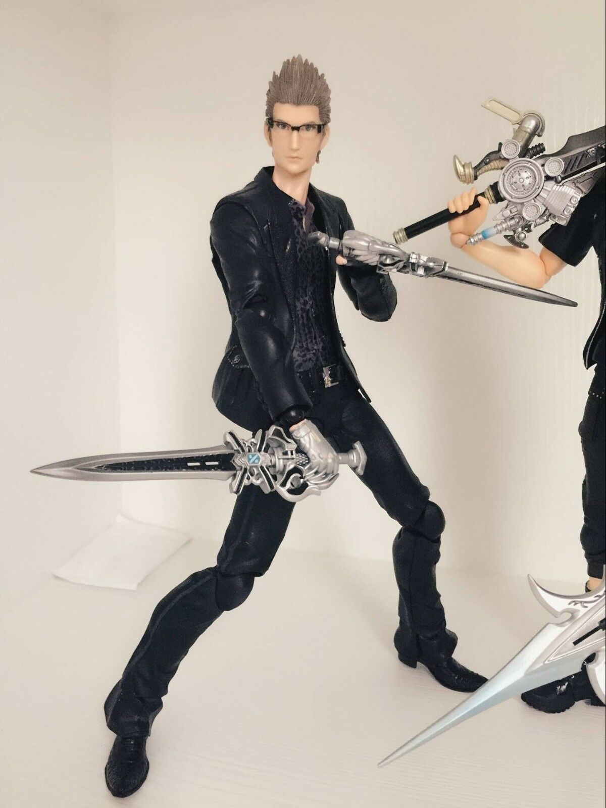 Nuovo Square Enix Play Arts Final Fantasy XV Ignis Action Figure no box
