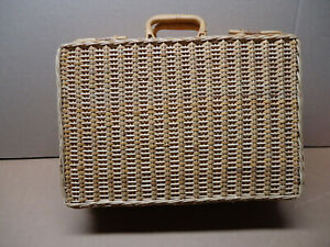 Rattan woven mini suitcase latching handles