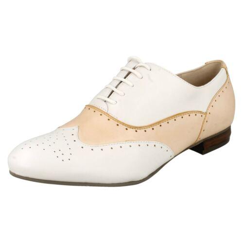 con Smart Light Tan beige estilo para Clarks cuero mujer Zapatos Willow Brogue y cordones de Ennis vwSqnC