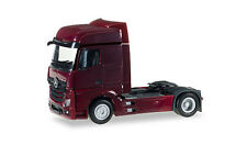 WINE RED MERCEDES ACTROS GIGA CAB TRUCK HERPA 1/87 Plastic Minature HO Scale