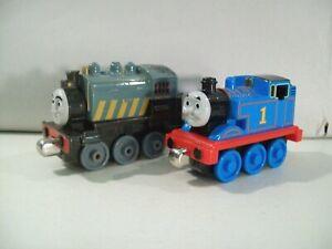 LOT-OF-2-THOMAS-THE-TRAIN-DIE-CAST-ENGINE-CARS-PORTER-amp-THOMAS-2009-2013
