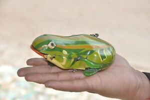 Vintage-Wind-Up-Colorful-Litho-Frog-Tin-Toy