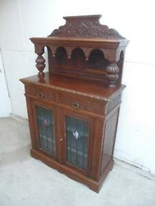 An-Original-Arts-amp-Crafts-Golden-Oak-Stained-Glass-Small-Carved-Sideboard-c1905