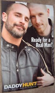 Daddy-Caza-Promocional-Mini-Poster-Interes-Gay-27-9x43-2cm