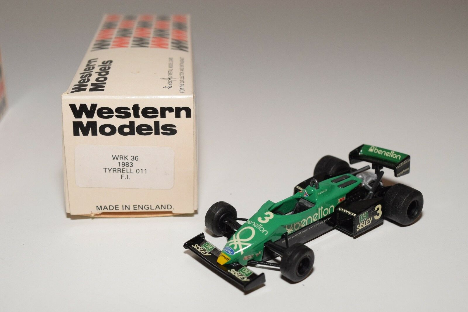 I WESTERN MODELS  WM WRK36 1983 TYRRELL 011 F1 RACING voiture MINT BOXED  magasin vente sortie