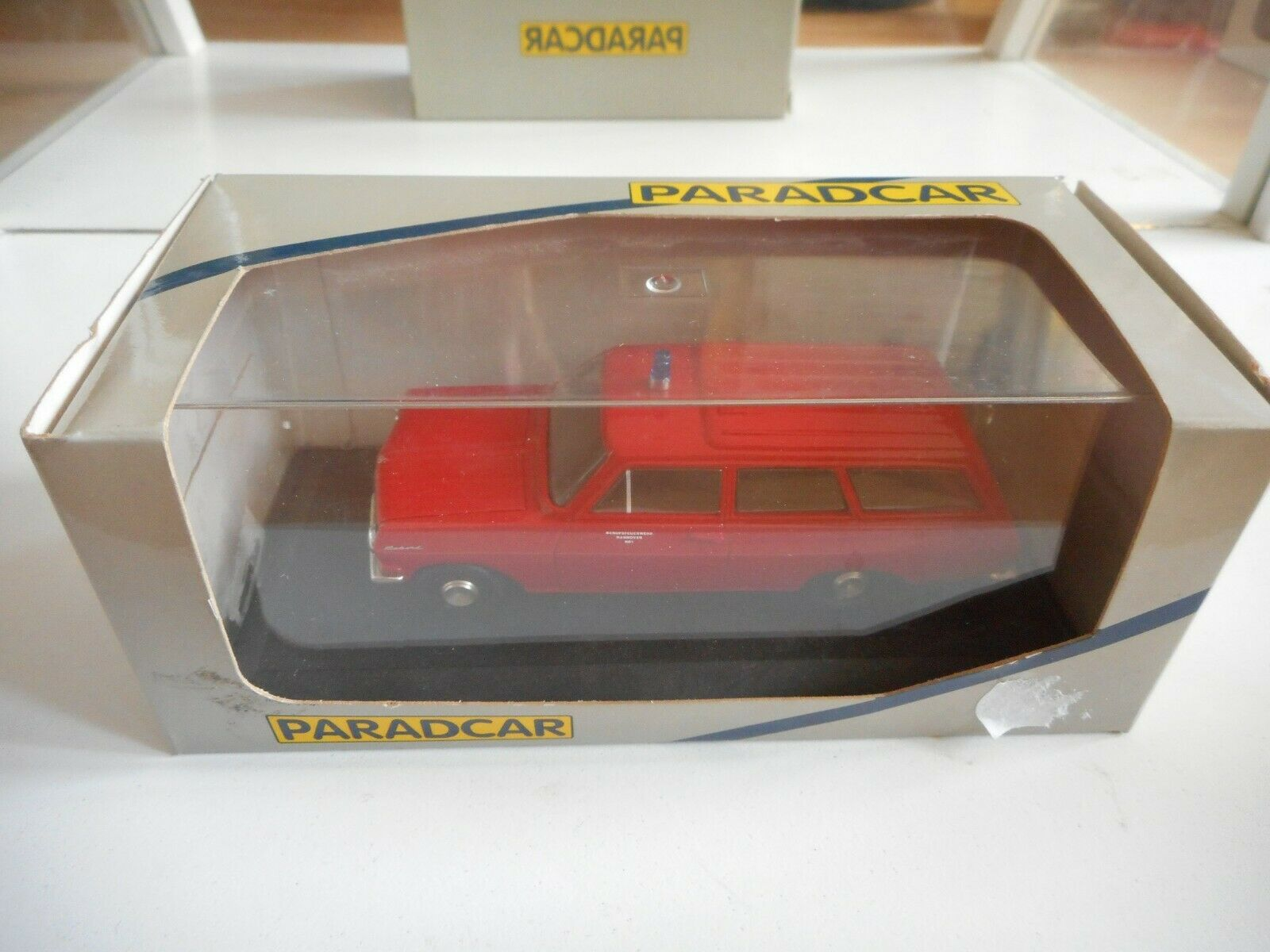 Paradcar Opel Rekord A Pomper   Feuerwhr in Red on 1 43 in Box