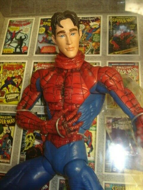 Marvel legends spider-man variant toybiz 2006 look