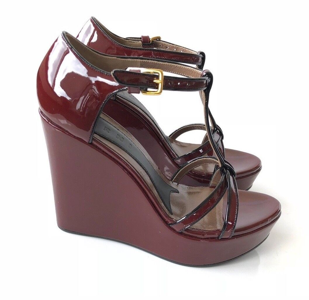 $1095 Marni Black Burgundy Patent Leather Wedge T Strap Wedge Leather Heels 4f6538