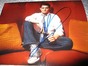 MICHAEL-BUBLE-SIGNED-AUTOGRAPH-8x10-SEXY-SINGER-PROMO-CRAZY-LOVE-PERFORMING-NY-D