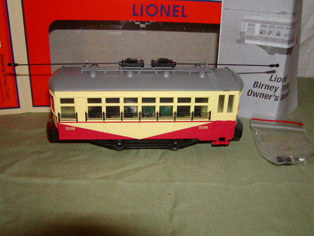 Lionel 6-82412 Reading Birney Trolley Operating Illuminated MIB Brand New 2016