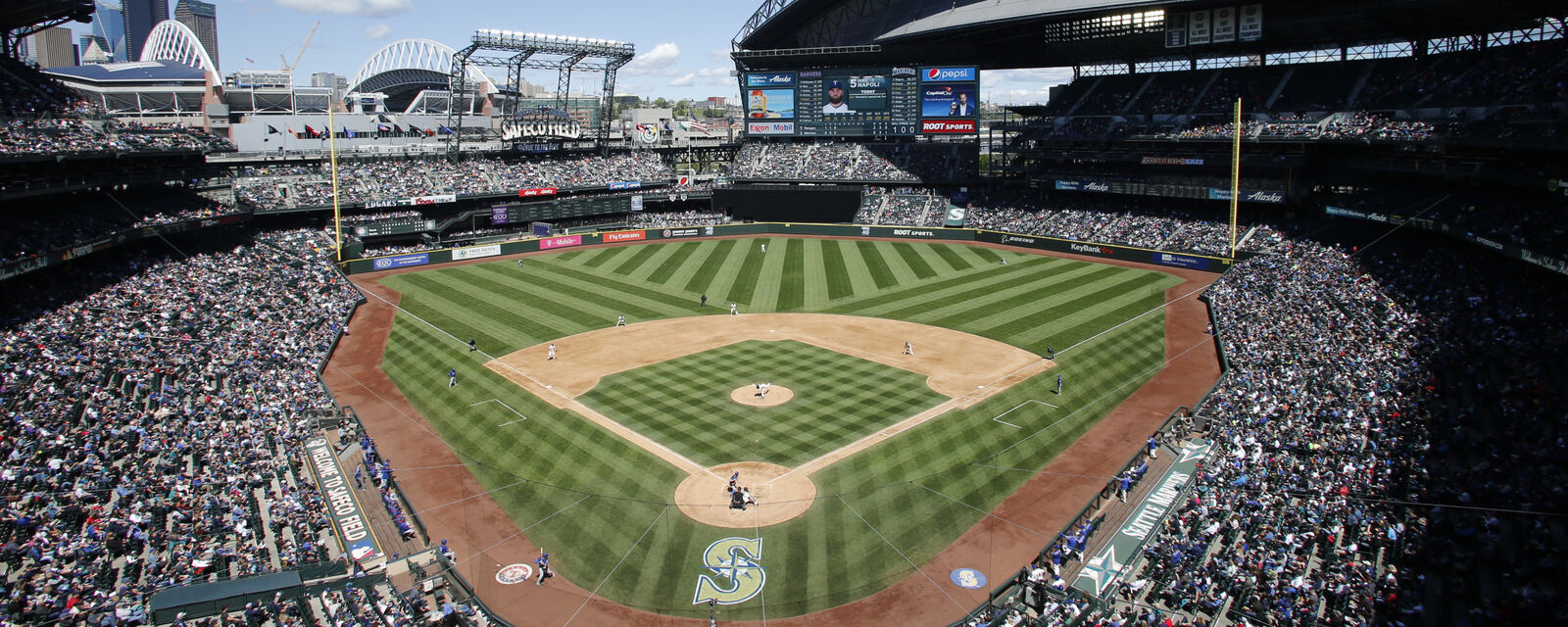 Los Angeles Dodgers at Seattle Mariners Tickets (Fireworks)