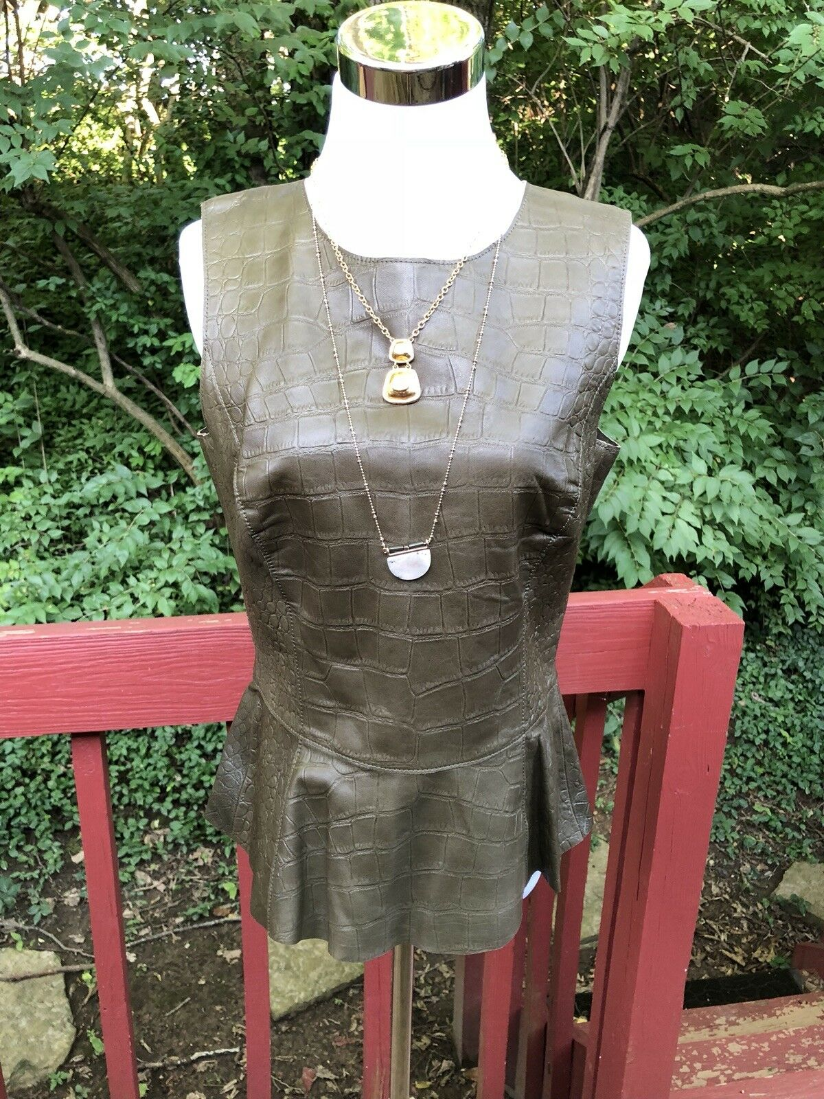 New WORTH Real Leather Blouse Größe 8 Olive Grün Lined Sleeveless Top