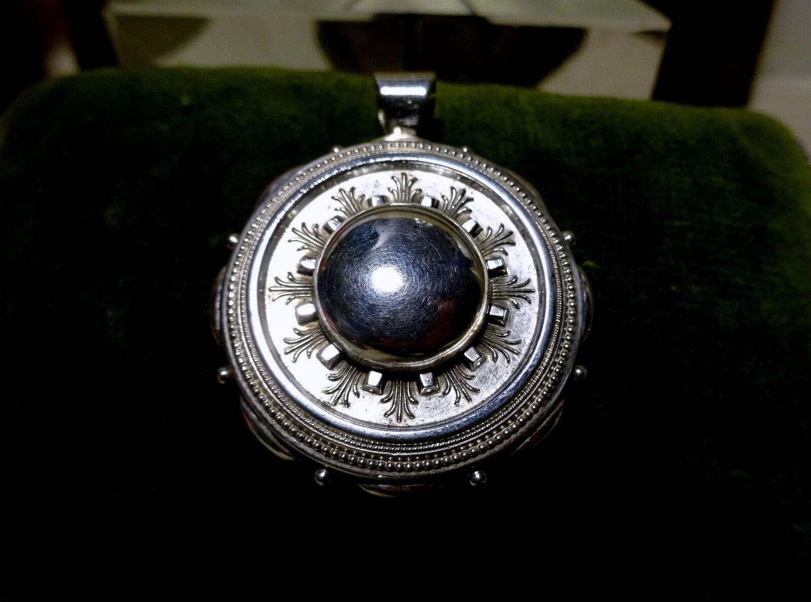 Bell 'obiettivo argentoo argentoo argentoo Sterling Ciondolo Medaglione Vittoriano & in seguito ba3ec5