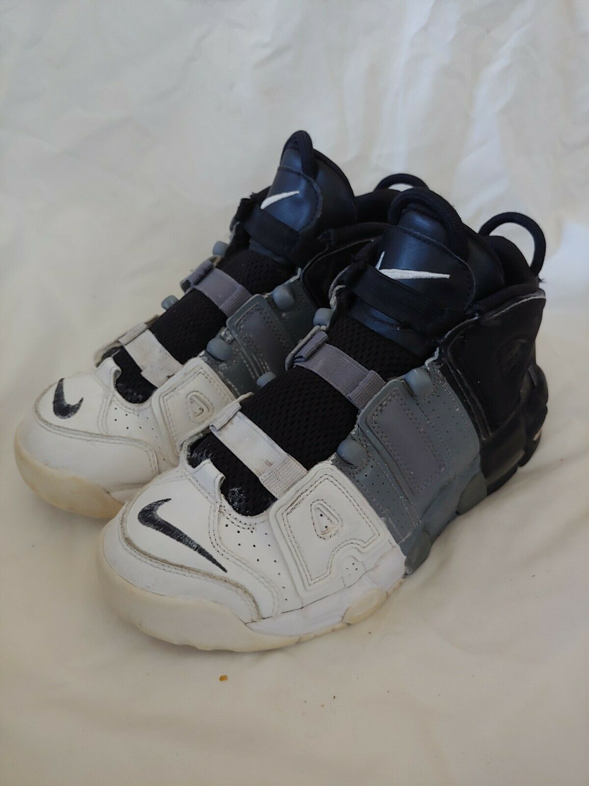 público Hierbas trompeta  Nike Air More Uptempo Big Kids 415082-005 Black Cool Grey White Shoes Size  4.5 for sale online | eBay