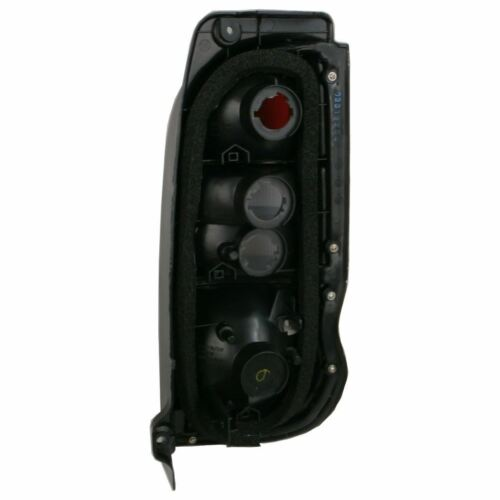 Toyota Hi-Ace Mk5 Van 10//2006-2012 Rear Tail Lights Lamps 1 Pair O//S /& N//S