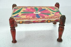 Old-wooden-amp-Cloth-Fine-Embroidery-Handcrafted-Cot-Collectible