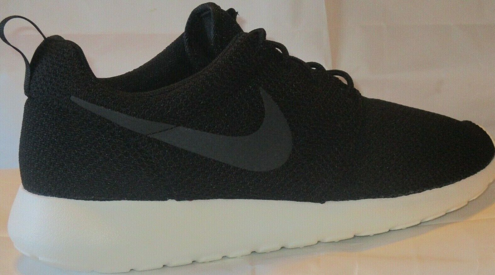 MEN'S NIKE ROSHE ONE BLACK ANTHRACITE-SAIL  SHOES SIZE 9