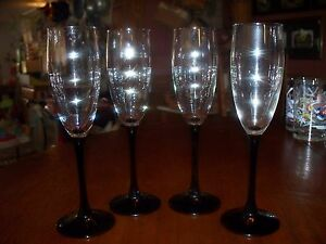 CRYSTAL-amp-BLACK-WINE-GLASSES-SET-of-FOUR