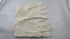 ancienne paire de gants blancs de ceremonie d enfant brodés epoque 1900 perle