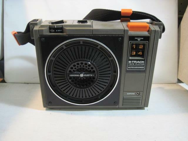 Vintage General Electric Portable 8-Track Tape Player Auto-Advance WORKS