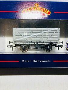 Bachmann-37-075-End-door-wagon-7-Plank-N-E