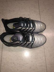 4eface0f4e673 NIKE AIR VAPORMAX PLUS 924453-009 Black Volt White Men s Sneakers ...