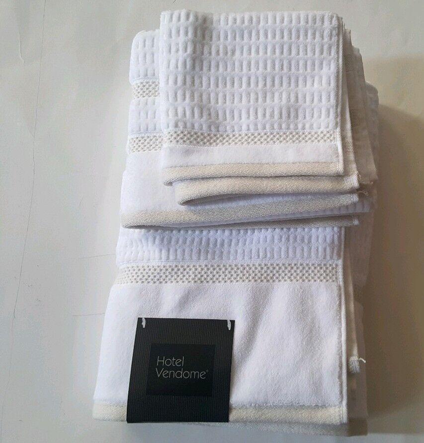 Hotel Vendome Geometric Stripe Bathroom 8 PC Towel Set Solid Spa Weiß Tan New