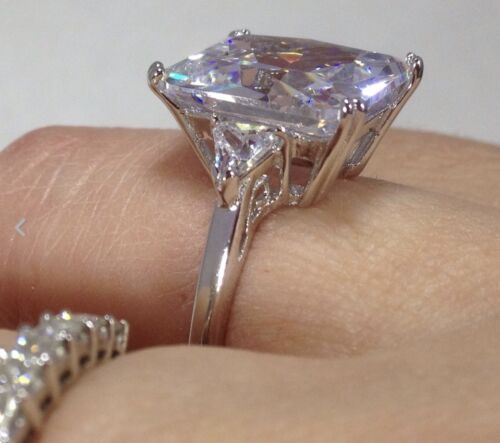 solid Sterling Silver Emerald cut three stone cubic zirconia ring chunky New.