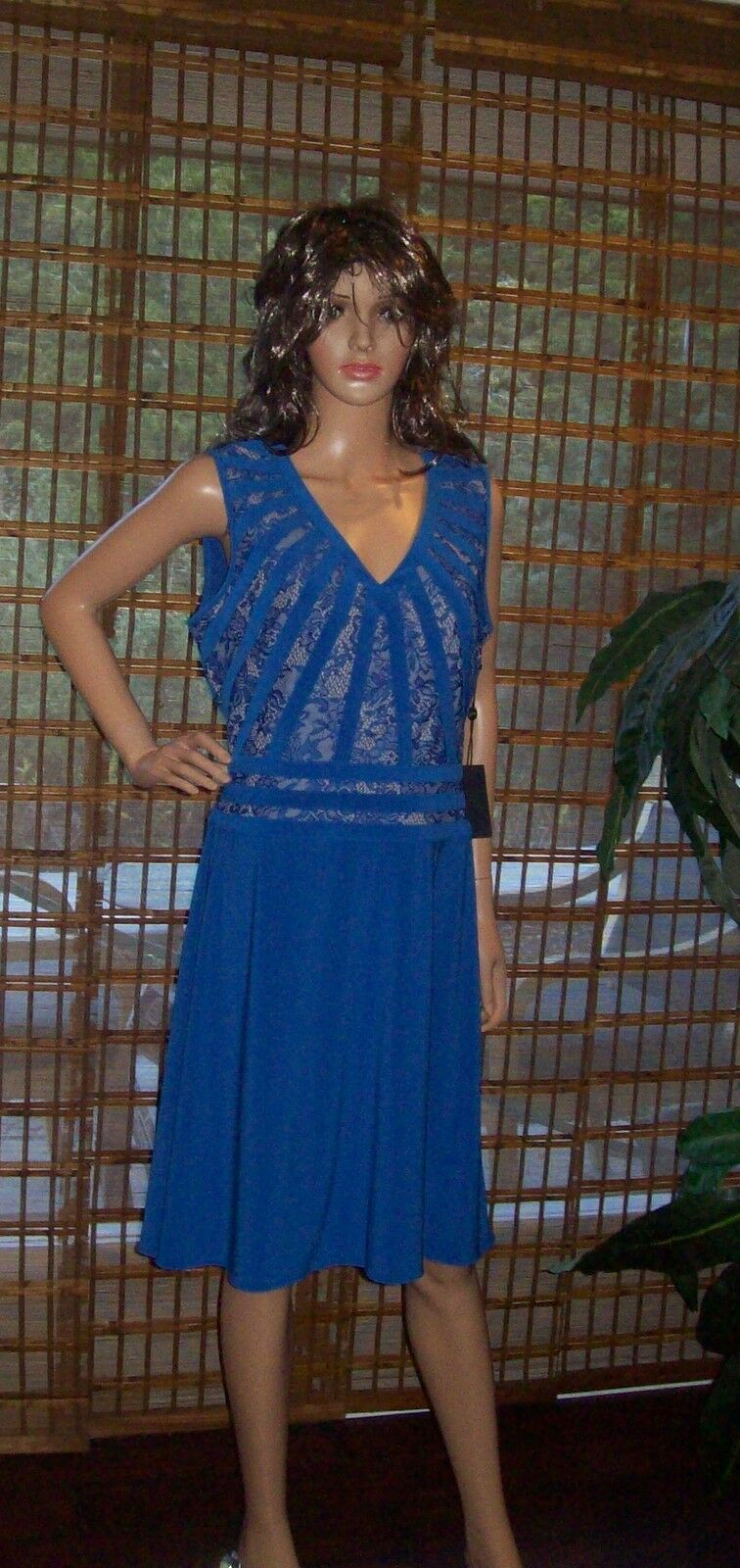 Adrianna Papell V Neck lace Blau  Dress sz 4 NWT