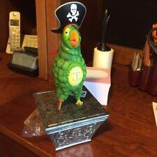 LE 500 Pirate 7 Seas Lagoon parrot pirate WDW figurine, Lilo Pin, treasure chest