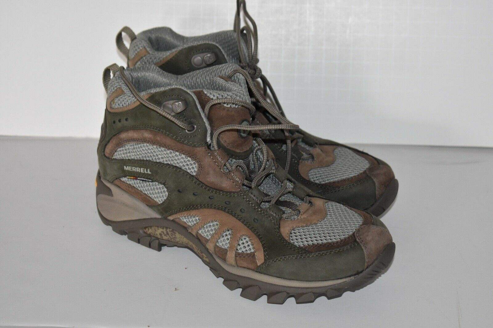 Merrell 16984 Mermaid Vent Mid Seagrass Women Hiking Boots Size 7
